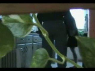 Curvy žena varanje s plumber hiddencam zajem