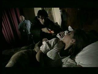 Милф прецака в преден на тя съпруг