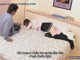 Asiática guarra follando la dude en la amor hotel r