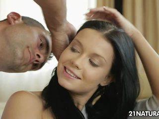 hardcore sex, całowanie, kolczyki