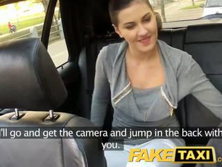Faketaxi zadní sedadlo pohlaví na veřejné roadside