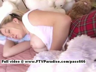 Alison aus ftv babes asleeped vollbusig blond mieze gets zehen