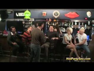 Irklararası karı en the cocktail bar