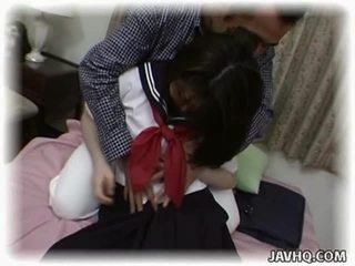 Aziatisch schoolmeisje having gek intercourse