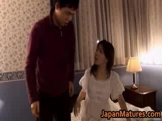Pieauguša japānieši modele gets fingered