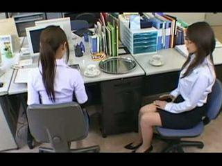Lustful sekretaris 3