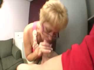 tittyjob, sperme dans la bouche, bâillonné