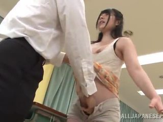 Erotico yui igawa has bumped in un in classe da suo instructor