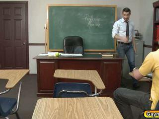 Läraren anala fucks med studenten