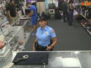 警察 軍官 同 巨大 胸部 got 性交 在 該 幕後