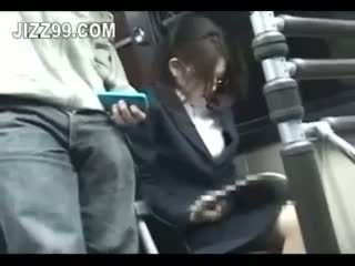 Ufficio signora seduced scopata da geek su autobus