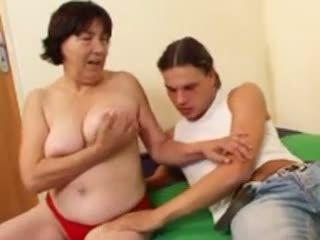 Me lesh gjysh r20: falas moshë e pjekur porno video 4a