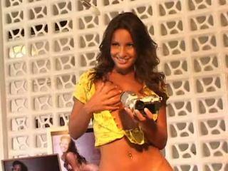 Paola rodrigues membuat off - playboy