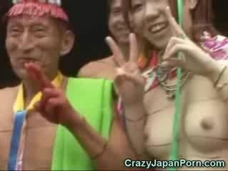 Japonais en une papuan tribe!