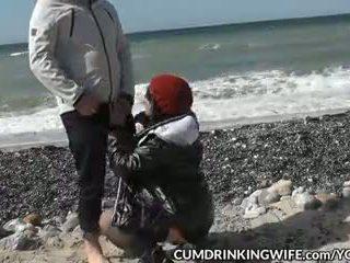 Slutwife marion creampied iki daug strangers apie viešumas beaches
