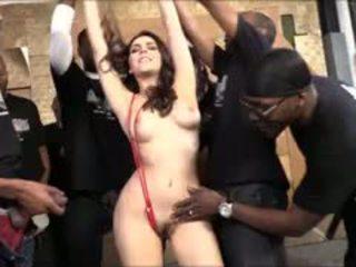 Valentina nappi sát lots na černý cocks pro bukkake obličejový