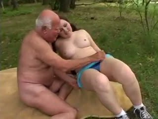 Дядо mireck - а майната в на гора, порно a8