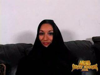 Arabic milf persia monir é tímida para smash para fazer um porno