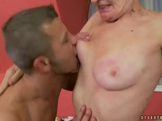 Hot granny gets her hairy pussy fucked