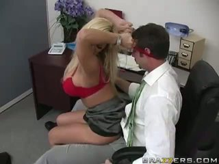 Shyla stylez gets anally becerdin tarafından onu co-worker video