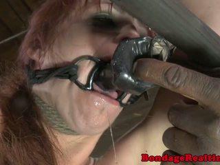 Bdsm sub bella rossi rangaistaan kanssa clamps