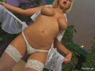 Breasty carol goldnerova rubbing jos putė wearing karštas nylons