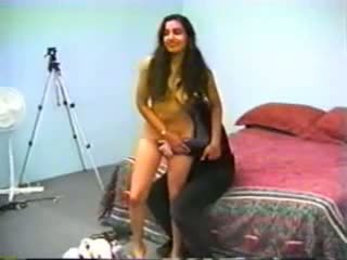 Karvainen intialainen nainen perseestä, vapaa amatööri porno e5