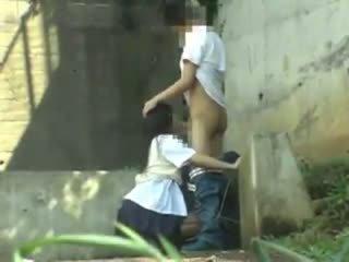 Школярка having секс в the park