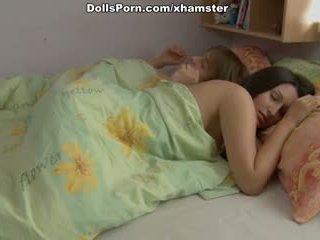 长 haired 褐发女郎 intense 性交 性别 在 该 早晨