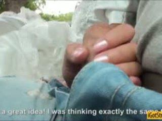 Runaway noiva amirah adara pounded com stranger em um carro