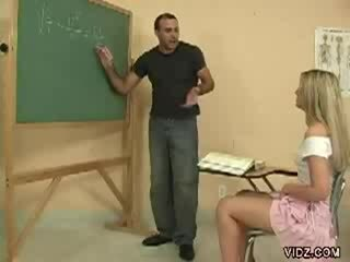 Arrapato insegnante stallone marche studente spettacolo fica
