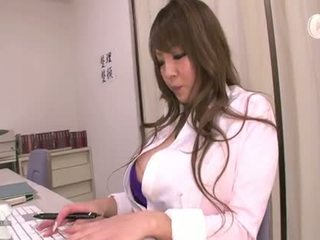 didelis, big boobs, sijonas