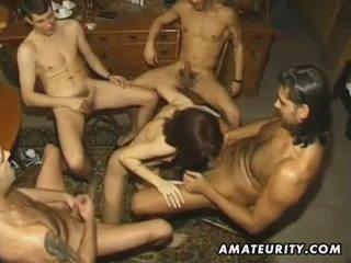 Άτακτος/η ερασιτεχνικό φιλενάδα με 4 cocks και facials