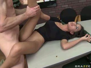 Büyük seks ile sıcak spor ayakkabıları