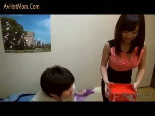 Caliente japonesa mamá 39 por avhotmom