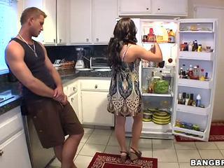 Nadržený maminka zkurvenej ji son's přítel těžký video