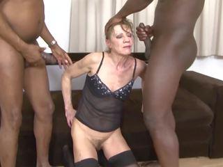 mamies, ménage à trois, interracial