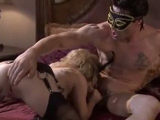 Disguised e sporco aiden starr takes un nob lavoro da un masked meatpole