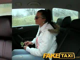 Faketaxi Mainit 19 taon luma sa taxi cab scam