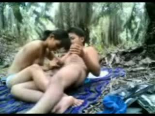 Indonésia jovem grávida fodido em o selva