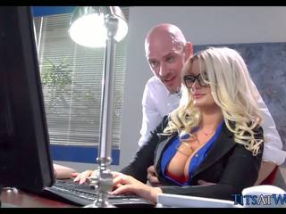 Kurang ajar with thick pirang sekretaris, free porno 41