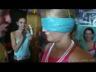 ปาร์ตี้ facual cumshots