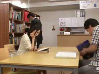 Nerātnas japānieši students fucked uz the bibliotēka
