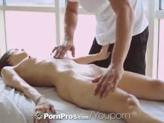 Pornpros - 熱 亞洲人 beauty elana dobrev gets 一 性感 擦 向下