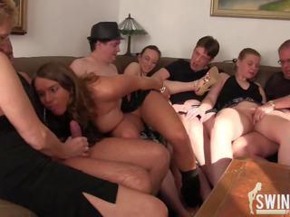 Суингър парти в jonnys къща, безплатно в къща hd порно 4c