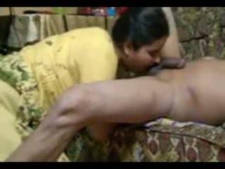 Sebenar warga india pasangan fuck intensely di rumah dengan pancutan air mani