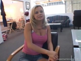 Amazing Gal Alia Janine Sucking The Big Cock