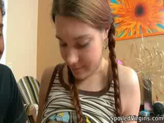 Nina liked どうやって ザ· スタッド playeed とともに 彼女の 乳首.