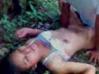 India remaja kacau di sebuah hutan video