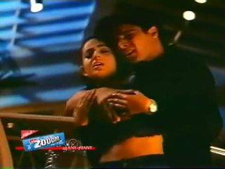 Bollywood actrita amisha patil boob pressed